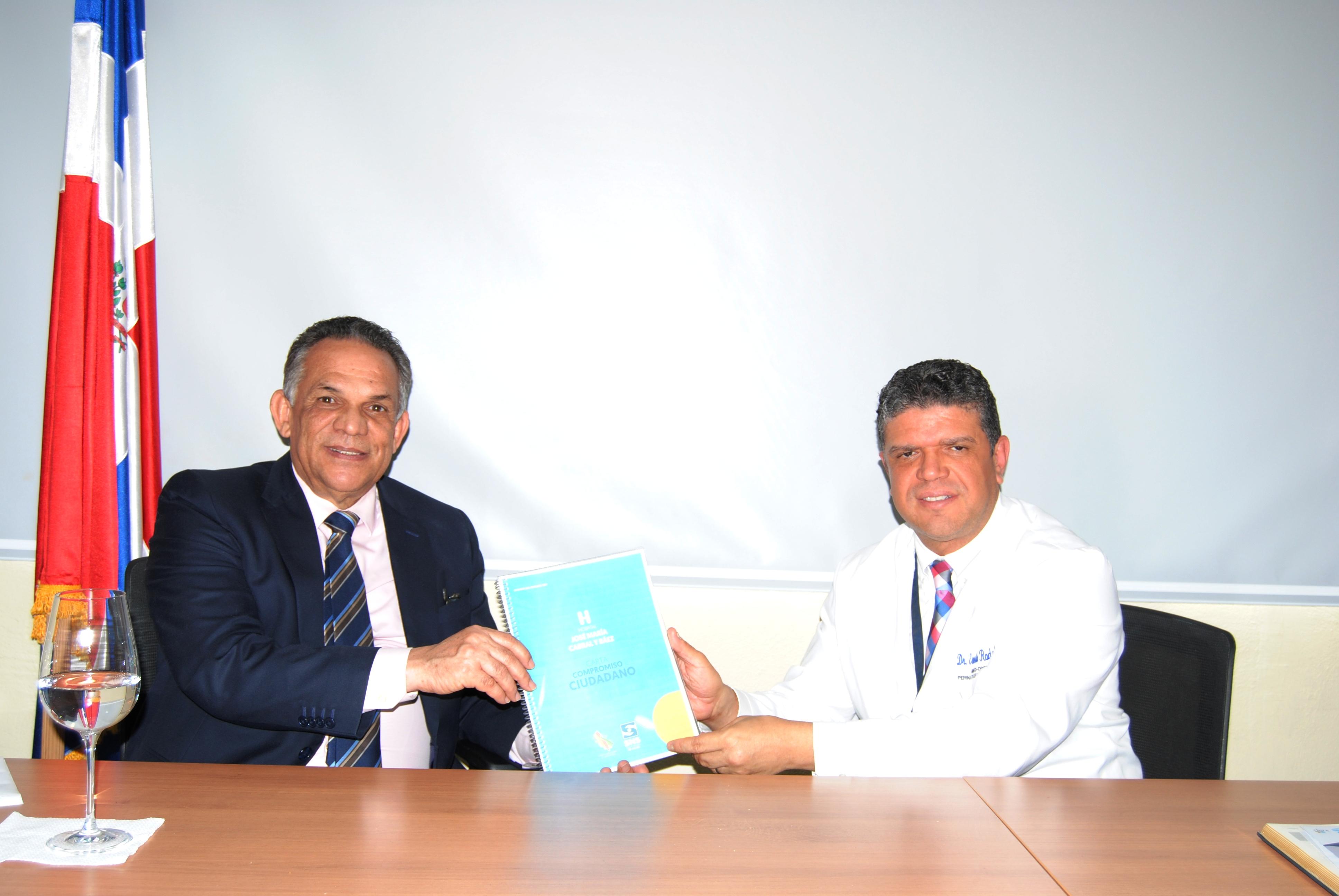 Ministro Ventura Camejo recorre instalaciones hospital Cabral y Báez
